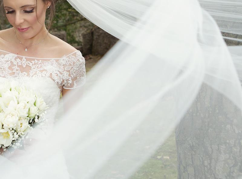 Stylish Galgorm Resort wedding by Catherine Mackenzie