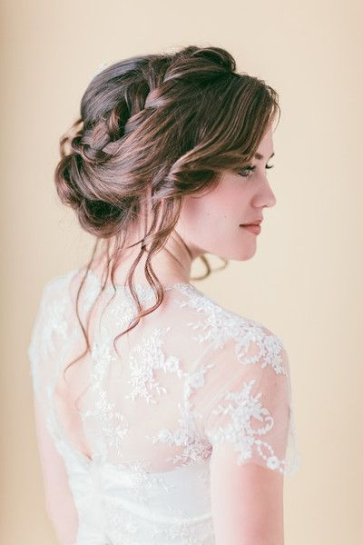 Ten Romantic Bridal Hairstyles For Summer Brides Getting