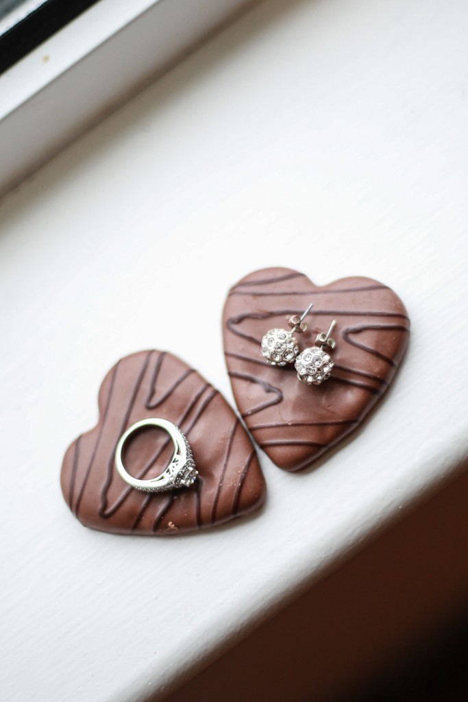 True Love Tuesday Tara Lea Amp Neill S Cheerful Christmas Wedding Getting Married In Northern